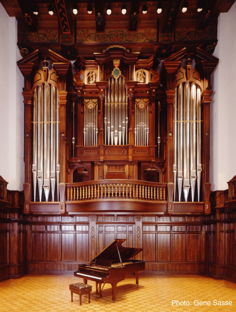 Crafting sound pipe organs in the making keepers of for Classic house organ sound